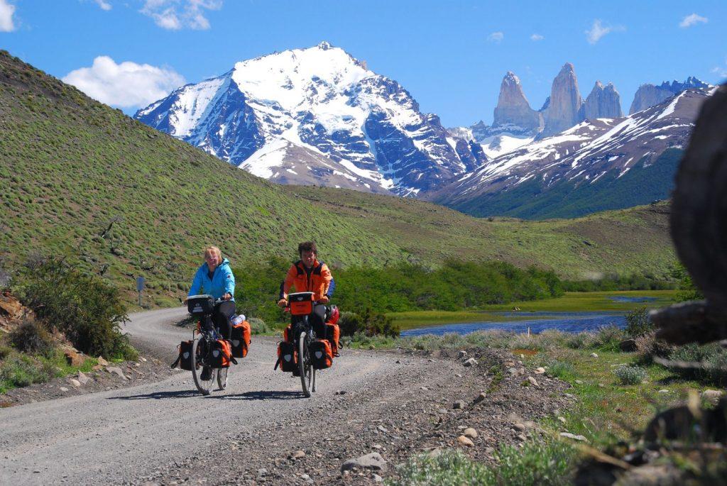 5 mete estere perfette per pedalare in bici elettrica