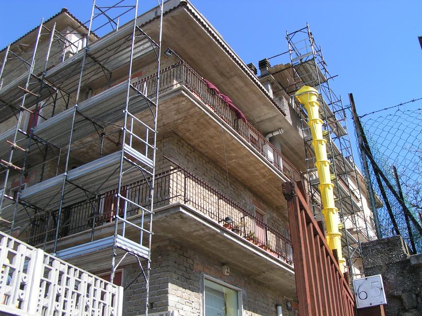 La ristrutturazione facciata può risolvere grandi problemi!